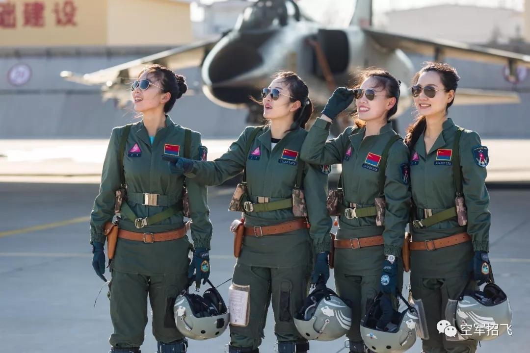 中国空军将招收第12批女飞行学员 为选拔女航天员提供更多选择
