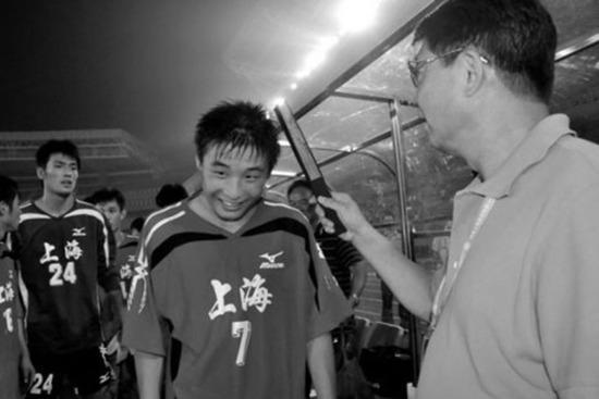 徐根宝解释为何缺席夺冠典礼:这一刻留给球队和球迷