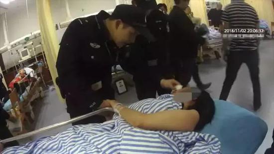 △俞超杰带轻生女子去医院抢救