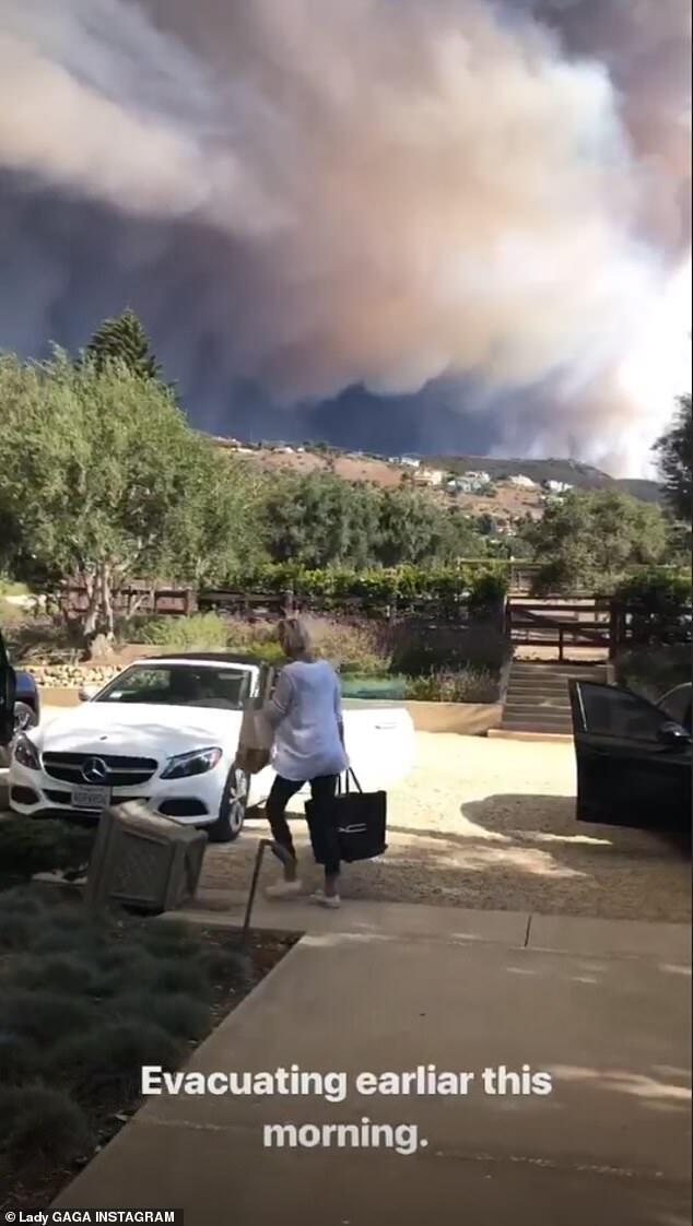 美国加州大火迅速蔓延 Lady Gaga等多位美国明星逃离豪宅