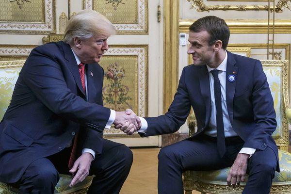 """看着都疼!特朗普与马克龙会晤,""""握手杀""""又来了"""