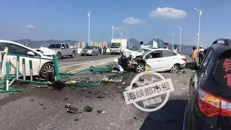 突发!3人受伤!泉州黄龙大桥三车相撞,损毁严重!