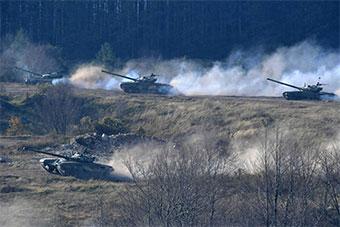 塞尔维亚举行有史以来最大演习 8000士兵参加