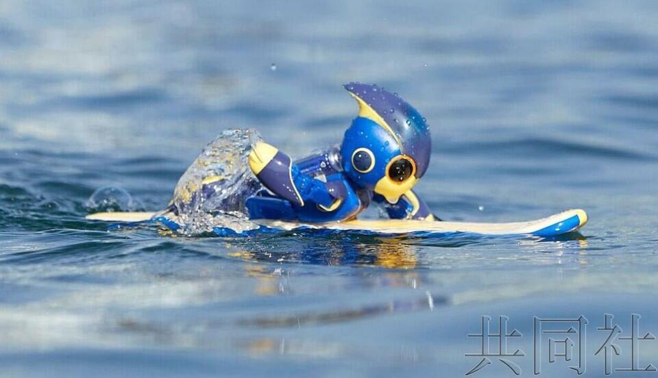 松下干电池机器人划水游泳距离创吉尼斯纪录