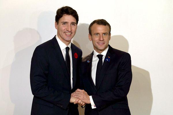 马克龙与特鲁多在巴黎和平论坛上举行双边会晤