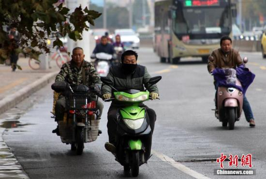 强冷空气影响北方地区 京津冀及周边等地有霾天气