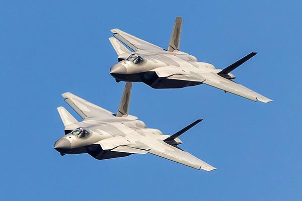 空军副司令员:歼-20战机已具备初步作战能力