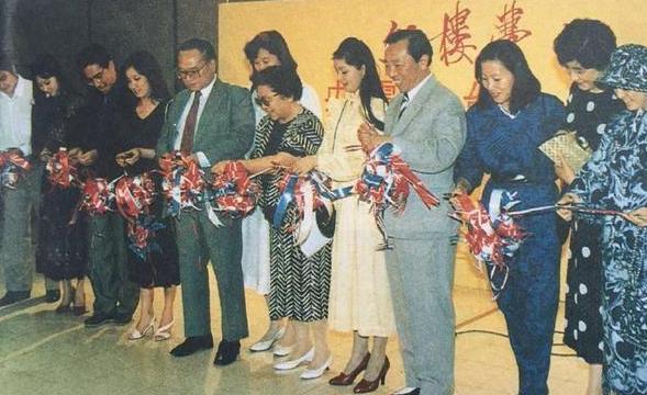 87版红楼赴香港访问珍贵照片,黛玉探春气质不输香港明星!