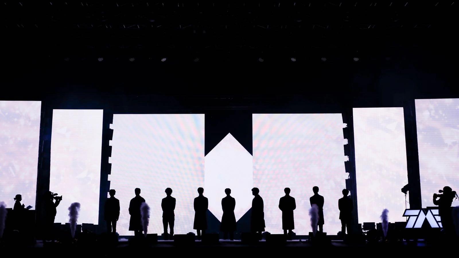 快乐大本营何炅的qq_NINEPERCENT首专发布会北京举行 新歌舞台首秀_娱乐_环球网