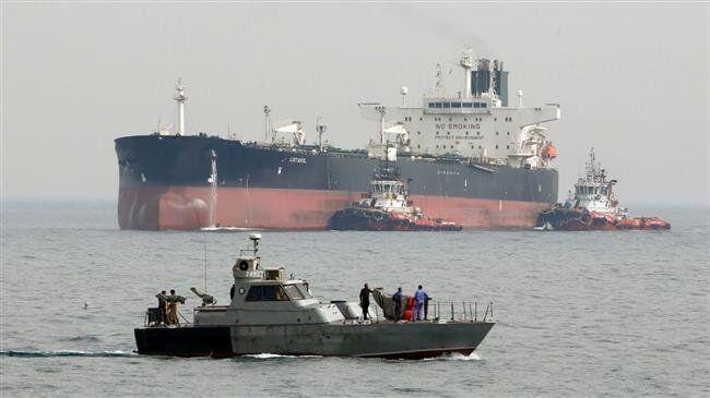 """美国持续发出警告,伊朗""""亮剑"""":武装部队待命保护本国油轮"""