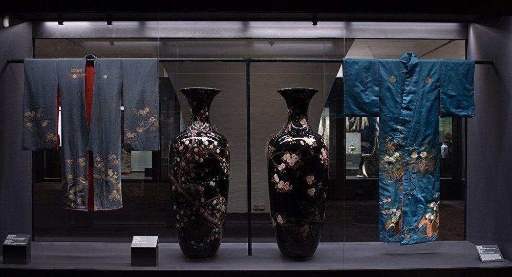 俄内务部:价值600万卢布日本古董花瓶在莫斯科展出后被盗