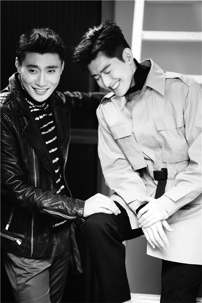 """张翰刘长德""""兄弟情""""写真 黑白质感展现双重魅力"""