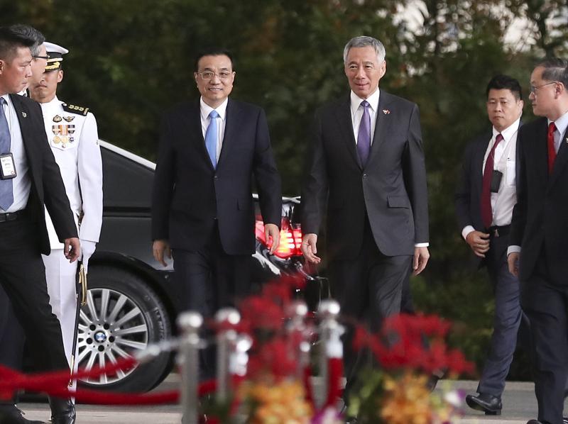 李克强与新加坡总理达成共识: 争取尽快结束RCEP谈判