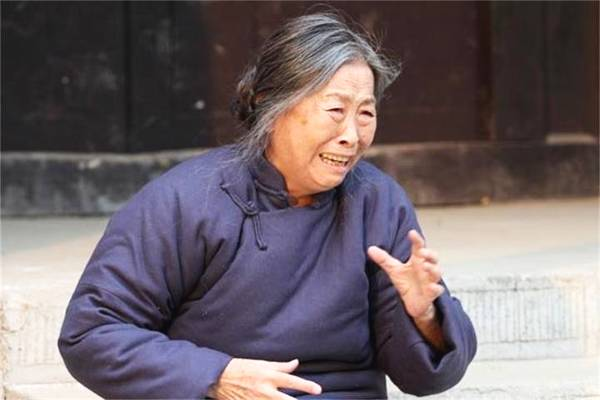 """82岁张少华被曝丑闻,""""丑娘""""身败名裂,网友:晚节不保!"""