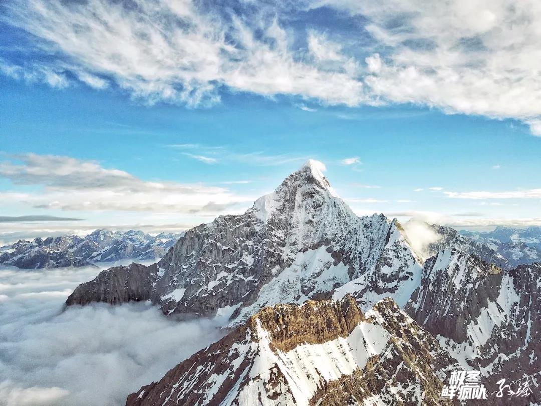五千米的雪线之上 一生定要爬一座雪山!