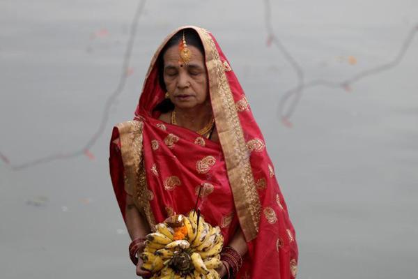 """尼泊尔民众庆祝""""太阳神节"""""""