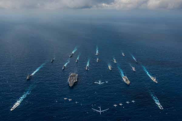 加拿大首次派出两艘军舰与美日共同军演