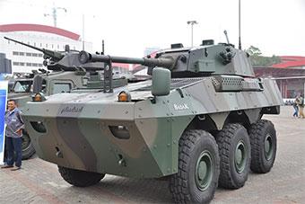 印尼展示最新装甲车 装备90毫米主炮