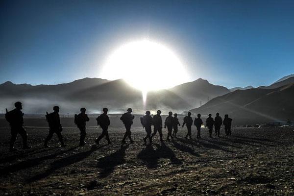 高原入冬第一战 从海拔3700米向4300米进发