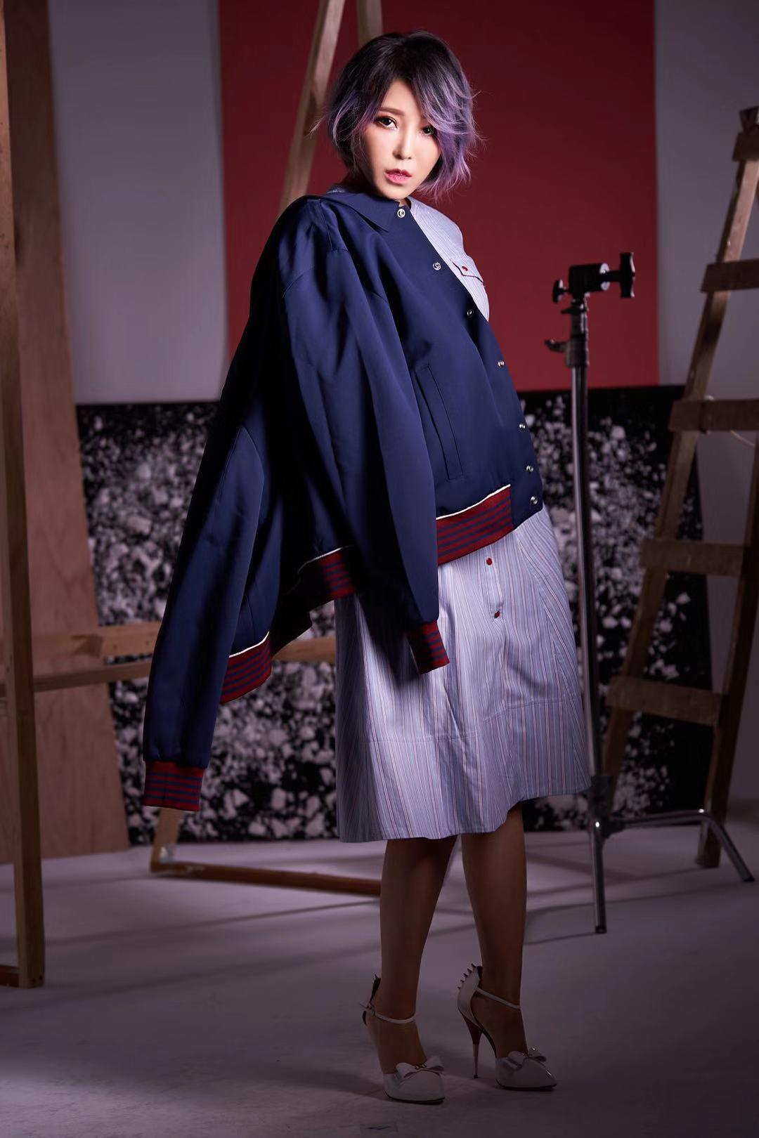 """崔子格到台拍时尚大片宣传专辑 笑言内心是个""""爷们"""""""