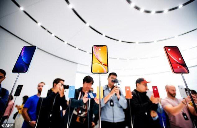 """智能穿戴设备兴起 会是智能手机""""末日开始""""?"""