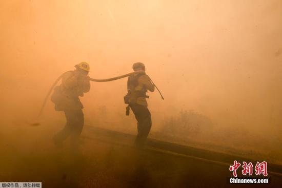 美媒:美南加州6名中国留学生撤离火灾区 抵达安全地点