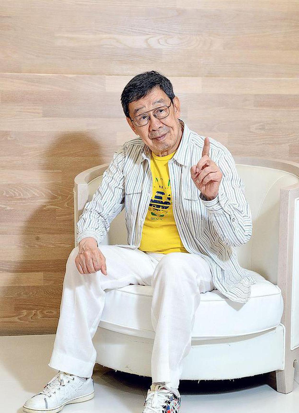 """入行65载看娱圈光怪陆离 胡枫继续""""枫""""骚人生"""