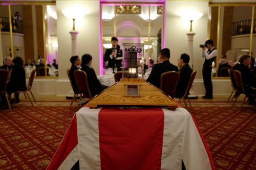 """法媒:英国举行""""终战日""""活动 纪念一战华工在英贡献"""
