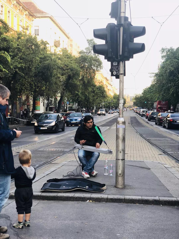 【布达佩斯印象】街头艺人的流动风情