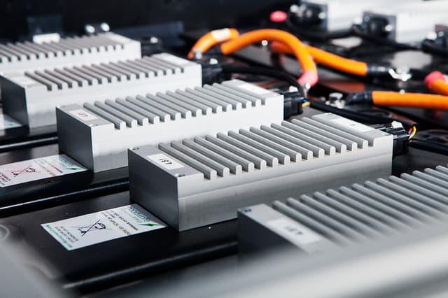 德国将投资10亿欧元研发固态电池 摆脱对中日韩依赖