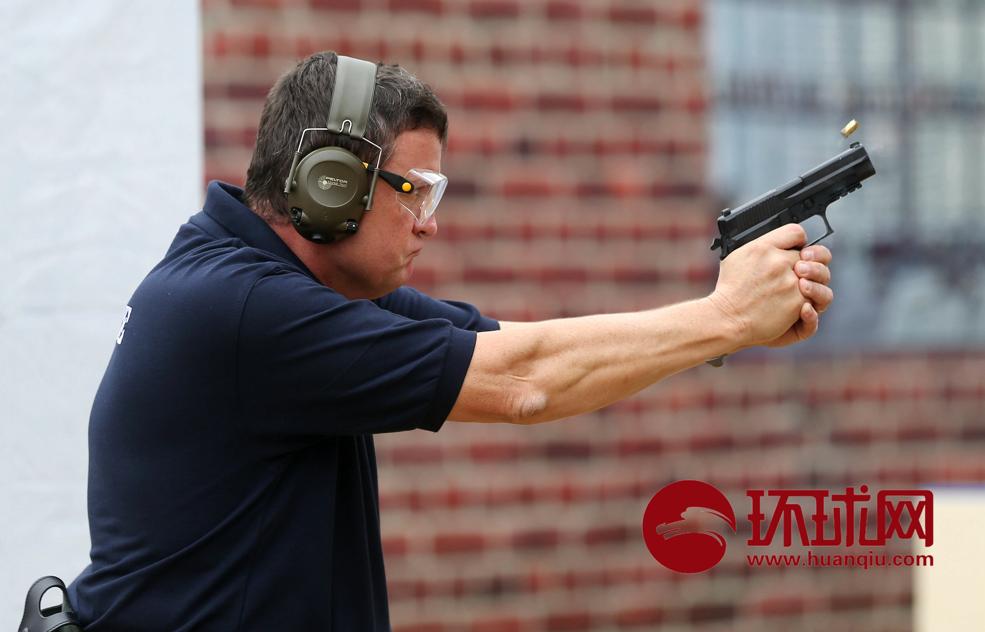 燃!第二届世界警察手枪射击比赛进入第二日角逐