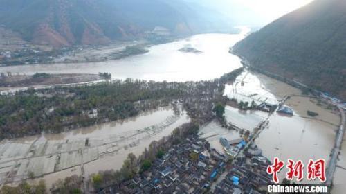 金沙江堰塞湖泄洪过境丽江 民房倒塌8000间暂无人员伤亡