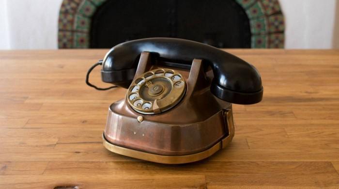 """智能音箱以""""老式电话""""样貌出现 内置亚马逊Alexa助手"""