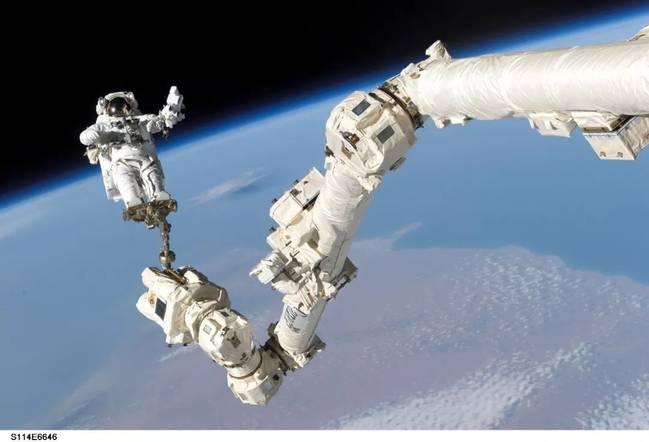 宇航员太空打嗝会怎样?画面不忍直视