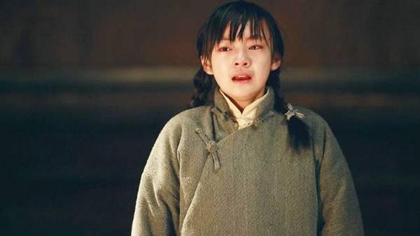 她可萝莉可腹黑、可甜美可诡异,连王俊凯都对她宠爱有加