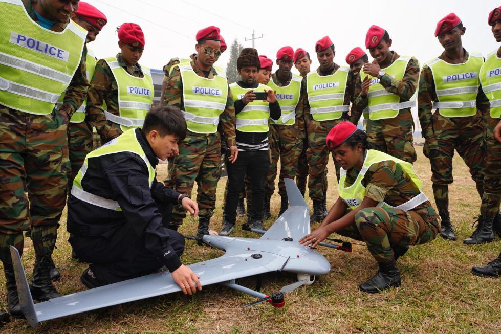 30名埃塞俄比亚警察来公安大学 学飞无人机