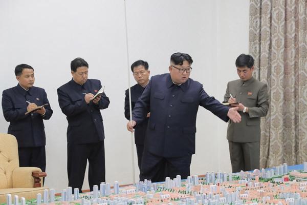 """金正恩视察中朝边境城市 指示""""几年内要看到成果"""""""