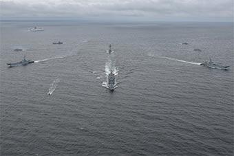 波兰海军紧贴俄罗斯飞地海岸举行庞大海军军演