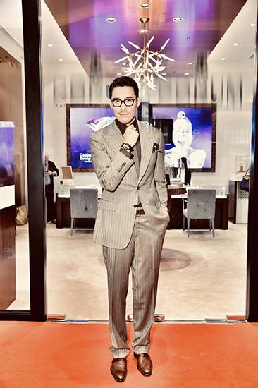 胡兵香港演绎Old Fashion   旧装穿出时尚经典