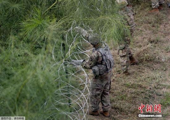 """""""别来我这!""""美墨边境居民抗议移民迁入"""