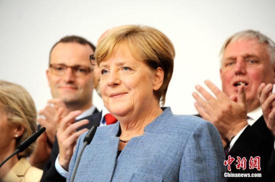 """默克尔:对欧盟和英国达成""""脱欧""""协议表示欢迎"""