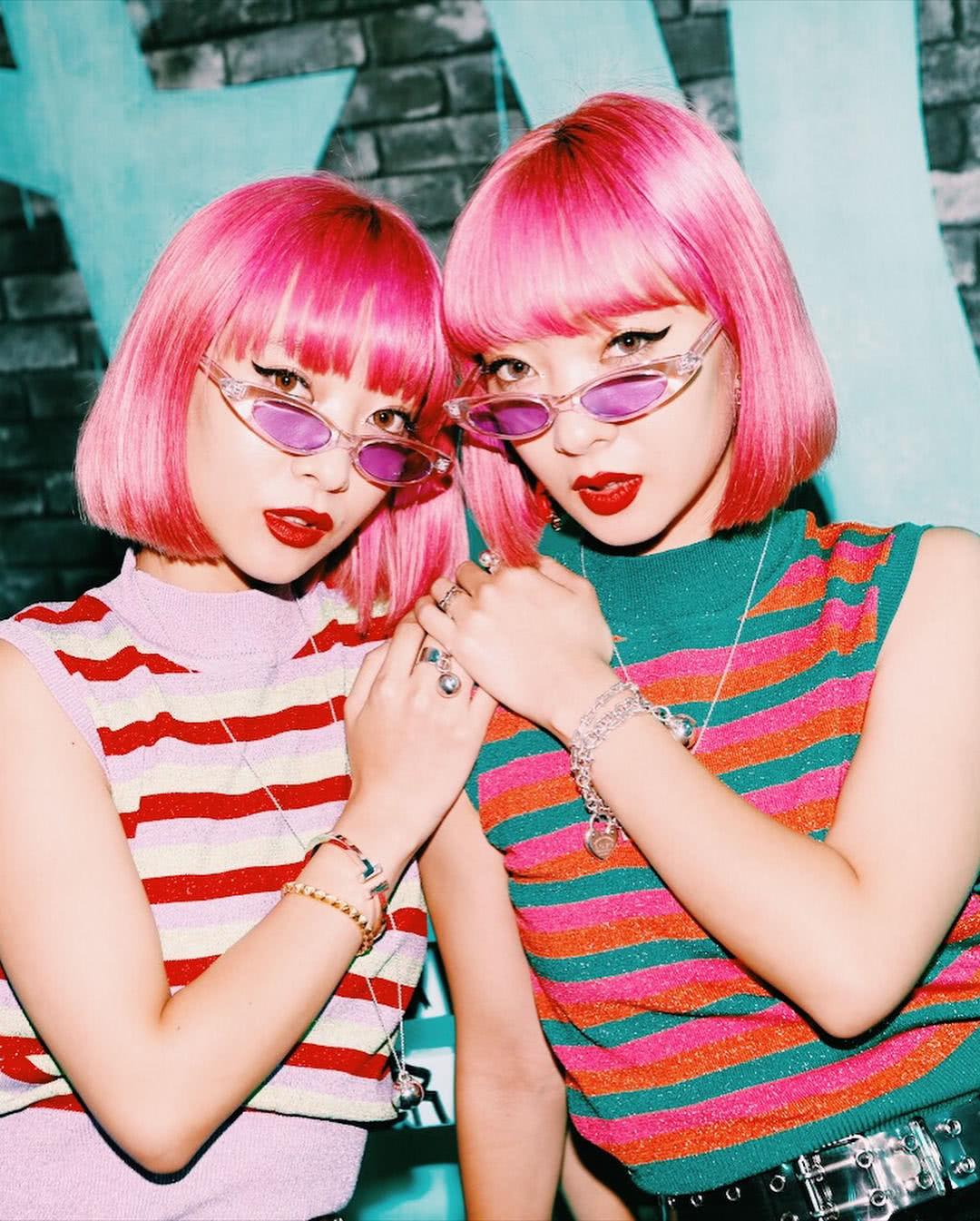 日本最火双胞胎走红记:大牌是如何迷上她们的?