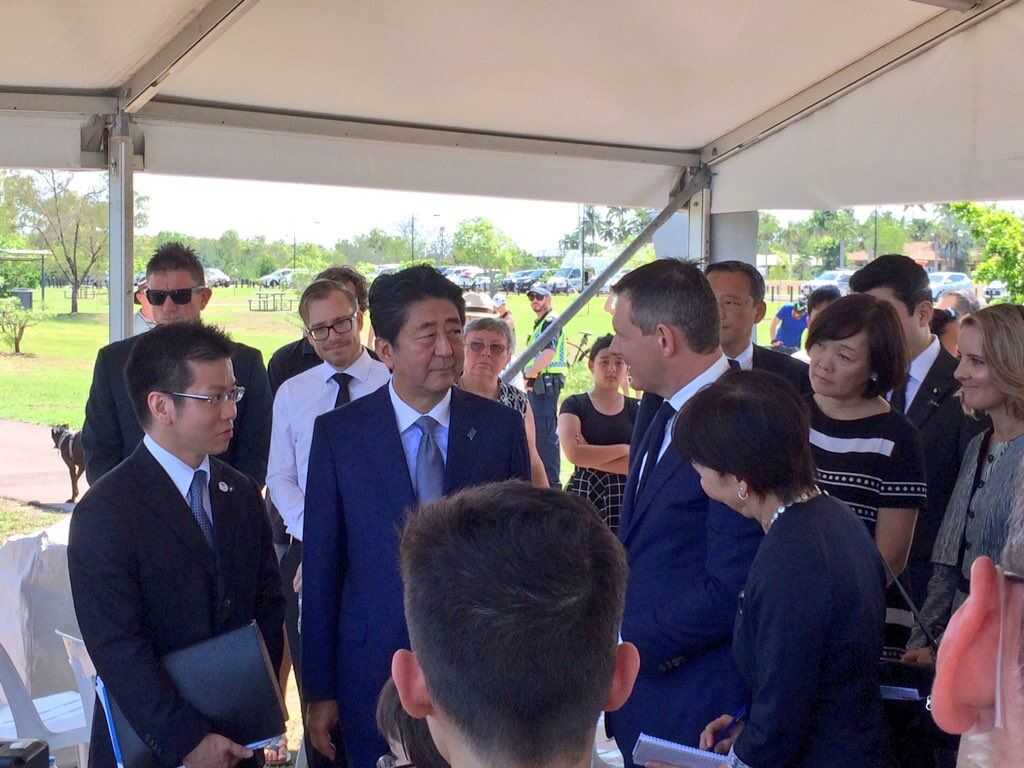 安倍访澳,纪念碑前悼念二战中阵亡80位日军潜艇士兵