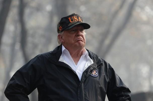 特朗普视察加州山火重灾区:灾情惨不忍睹