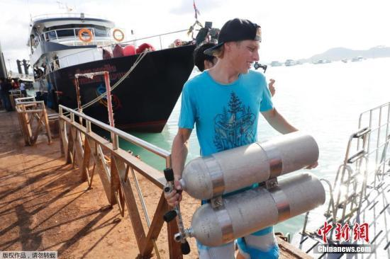 普吉倾覆游船打捞出水 驻泰大使馆要求加快原因调查