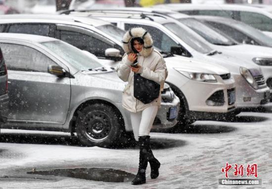 西藏东部等地将有小雪或雨夹雪 江南华南多阴雨