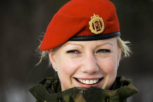 比利时将建女子特种部队 高级军官中女性占14%