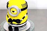 纯手工打造小黄人蛋糕