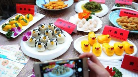 外媒:英国中年人喜欢拍食物照 中餐很受欢迎
