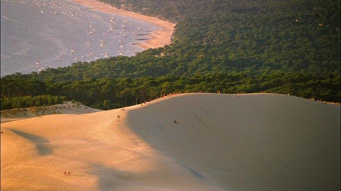 海边度假晒照天堂 法国票选十大最具ins风沙滩